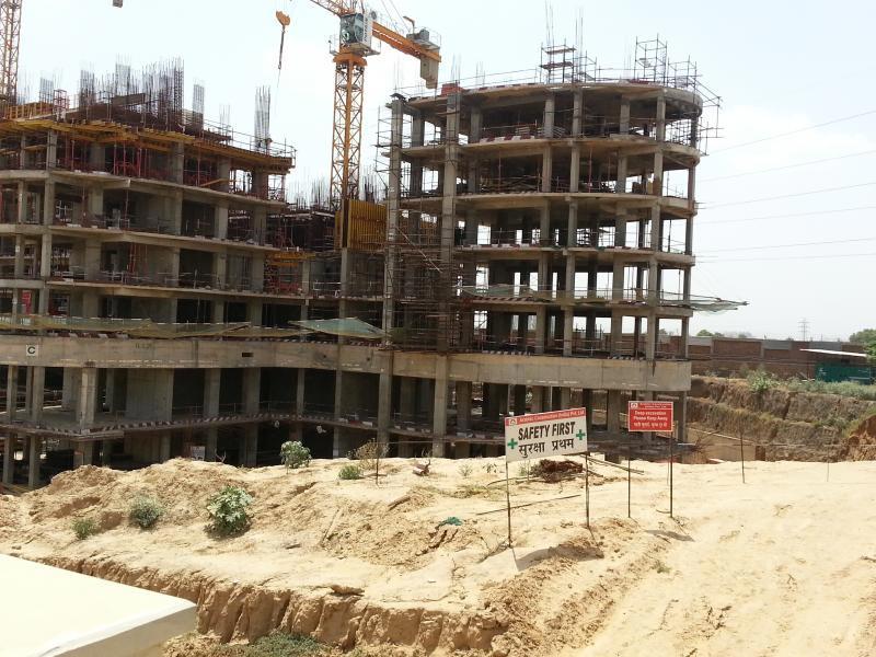 Raheja Revanta Royalty Constru