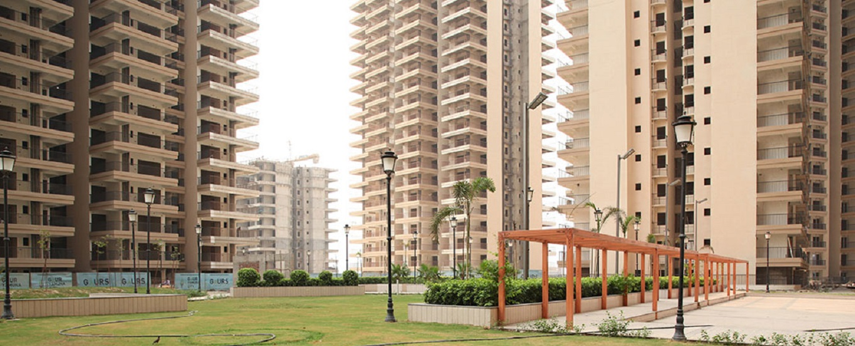 Gaur Yamuna City 16th Park View